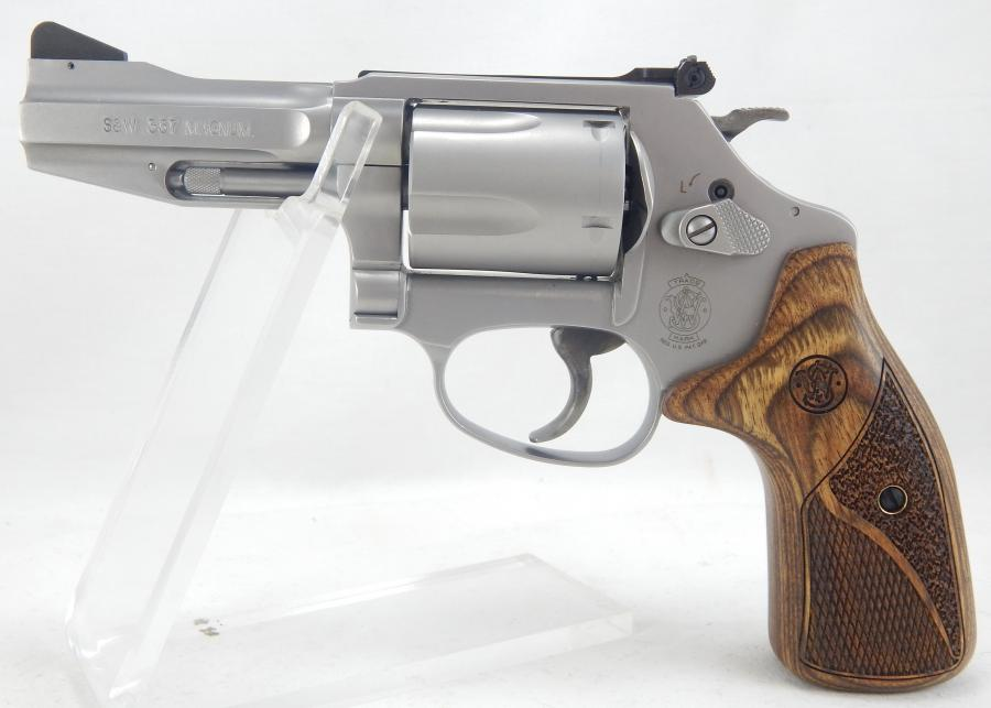 Smith & Wesson 60-15 Pro Series
