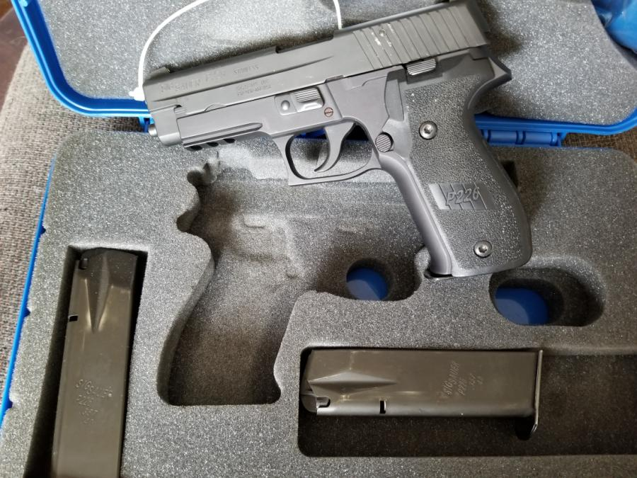Sig Sauer P226 Dak--used, 3 Mags