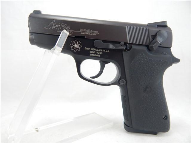 Smith & Wesson 4040 Airlite PD