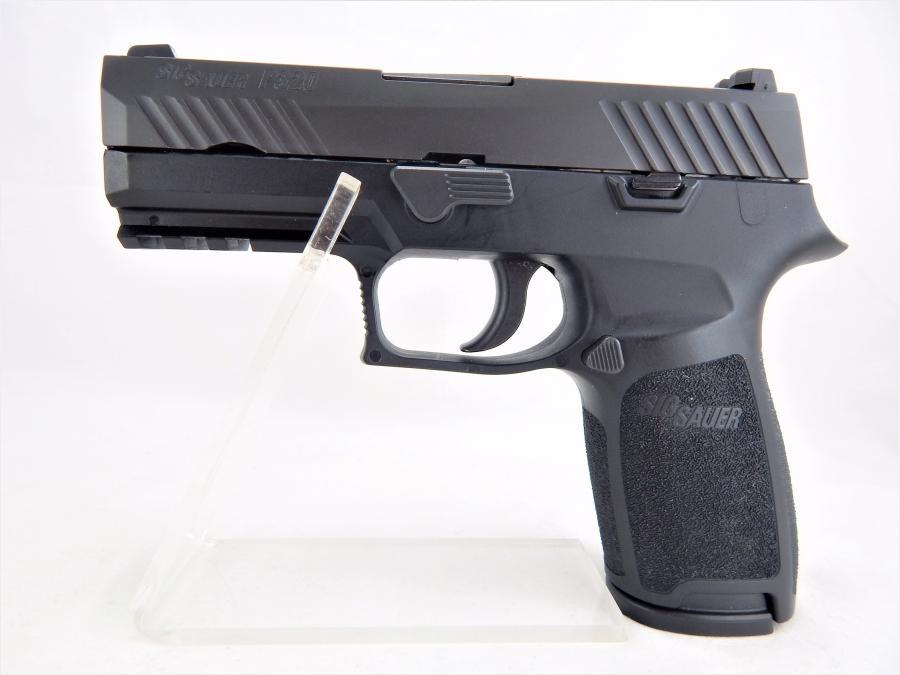 Sig Sauer P320 Carry 9mm x